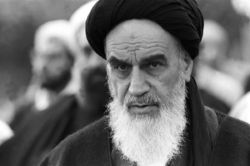 فیلم | امام خمینی بنیان گذار مکتب فکری سیاسی اجتماعی